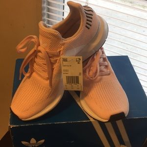 Adidas w running pink shoes